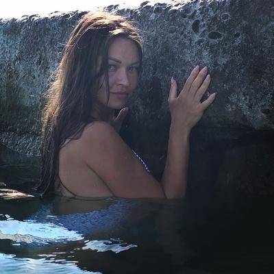 Лена Амирханова
