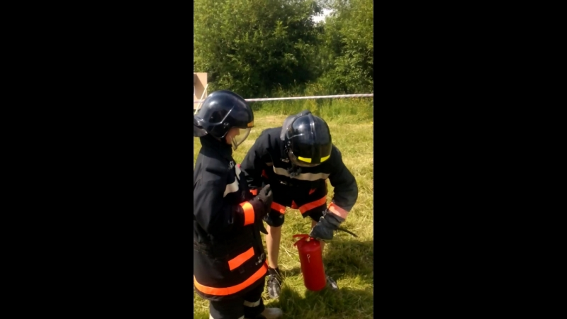 доброволец спасатель