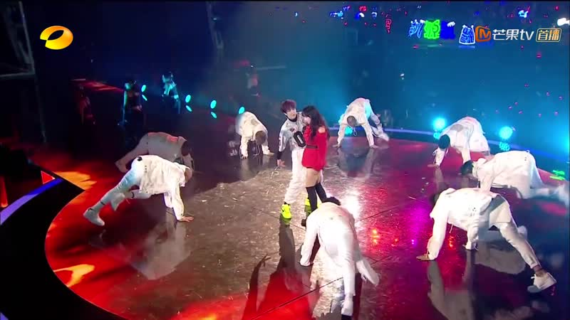 Wang Yibo 王一博程潇《Fire》《2019湖南卫视跨年演唱会》 Clip
