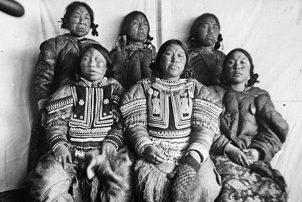 В начале 21-го века эскимосы познакомились с интернетом, и этот термин понадобилось перевести на их язык