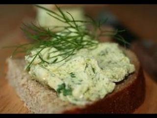 Фаршированные овощи, салат из арбуза, хлеб с зеленью