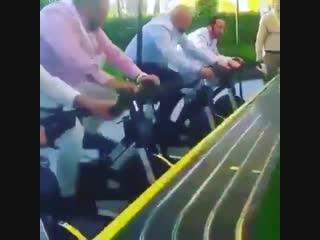 Отличная мотивация крутить педали быстрее