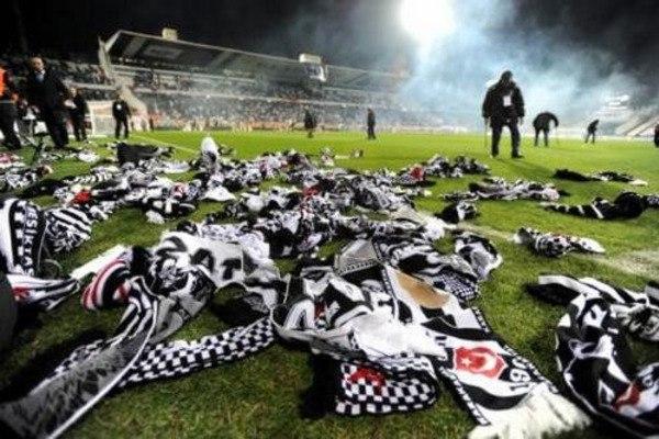 Beşiktaş UEFA'dan Ne Ceza Aldı