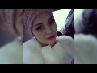 Телеведущая трагически погибла в неисправном лифте на глазах у маленькой дочери