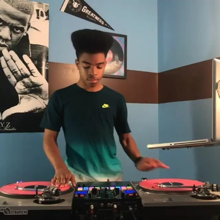 """T Lyn on Instagram: """"I love to see talented youth interested in music🎵🎤🎧 @Regran_ed from @iamdjprince01 - """"Uproar"""" @therealswizzz @liltunechi D..."""