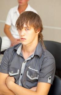Валентин Плотников