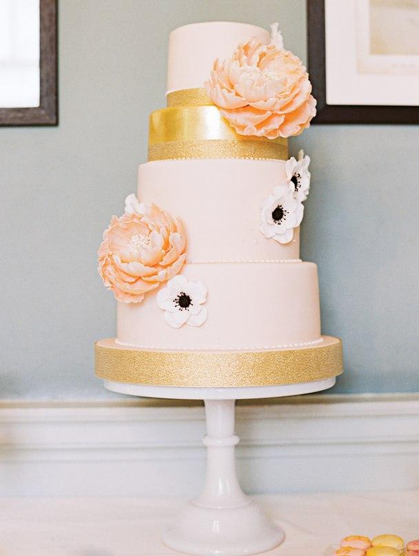 ZLfNIbAuKo4 - Золотые и серебряные свадебные торты 2016 (70 фото)