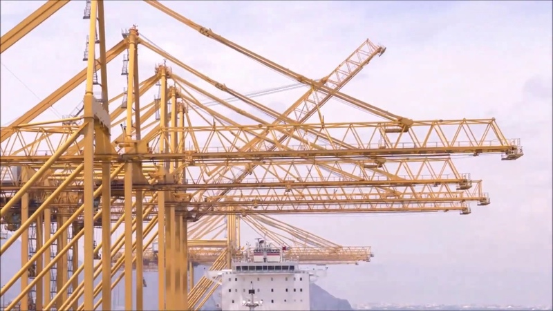 Liebherr - Container Cranes Driving productivity at Gulftainer's Khorfakkan Container Terminal