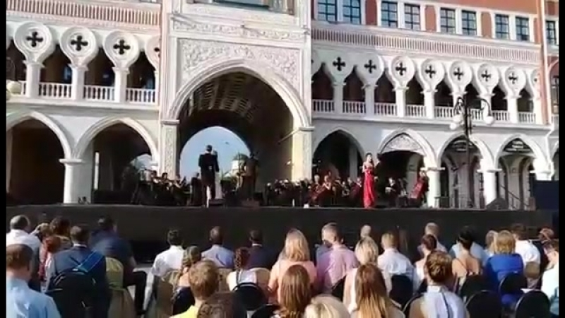 концерт солистов театра с лучшими произведениями самых популярных вокальных жанров- оперетты и мюзиклов.