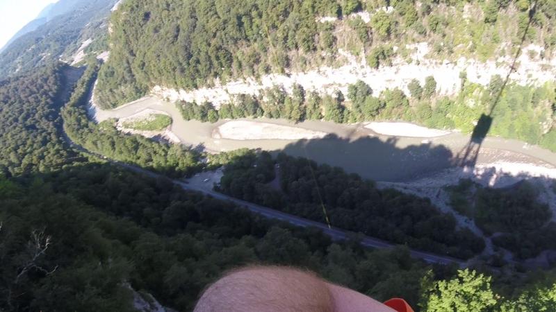 Мой прыжок спиной назад (69 метров) в скай-парке сочи.
