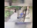 В Комсомольске-на-Амуре неизвестный избил до полусмерти возле магазина Сампей местного жителя