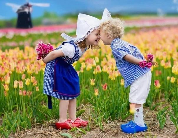 Пусть сегодня найдется и повод для радости, и причина для улыбки, и возможность изменить жизнь к лучшему...
