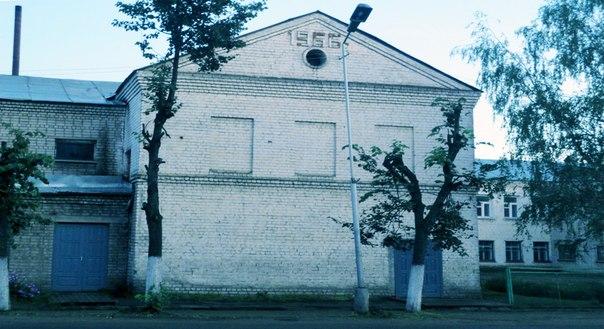 старинная избушка без окон и дверей