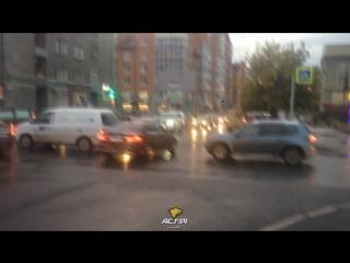 Затор на перекрёстке в центральном районе