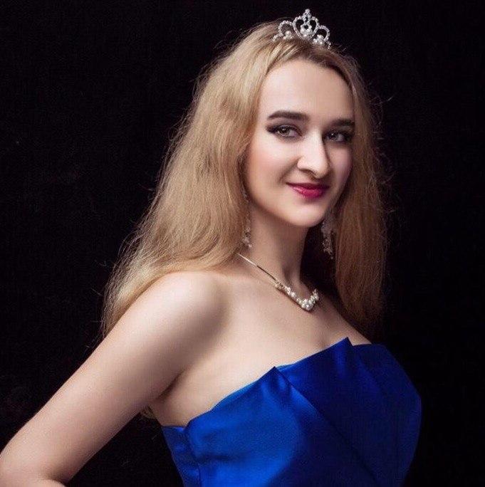 Айна Агамалиева |