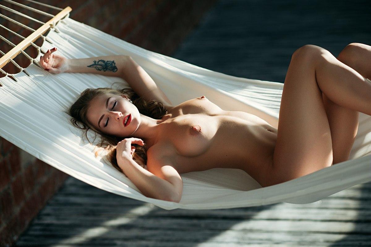 erotika-golie-krasotki