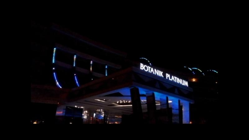 Delphin Botanik Platinum Hotel Led Show