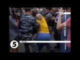 Украинские проститутки с Тверской, попытались устроить митинг в Москве.