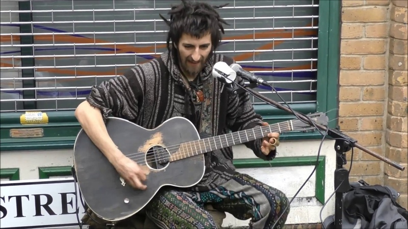 EPIC ROCK AND ROLL - ELECTRIC GUITAR - DIRTY BLUESY ROCK N ROLL - LONDON STREET PERFORMANCE
