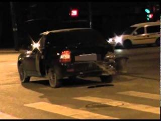 Пьяная женщина на авто врезалась на перекрестке в Йошкар-Оле