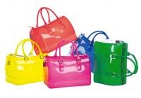 Одной из самых популярных коллекций во всем мире сегодня является Furla Candy Bag, все модели которой имеют
