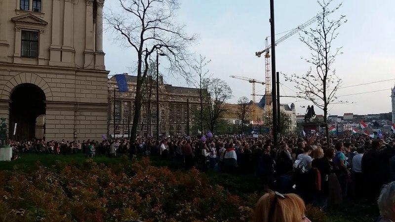 Tüntetés 2018.04.14. Kossuth tér
