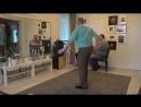 внучка поёт - дед зажигательно танцует !!
