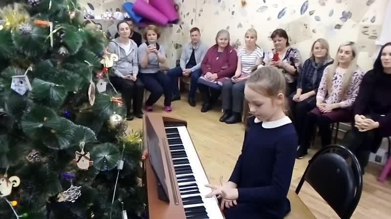 Анечка в Творческой мастерской на Ленина 162 а 44 75 09 Концерт
