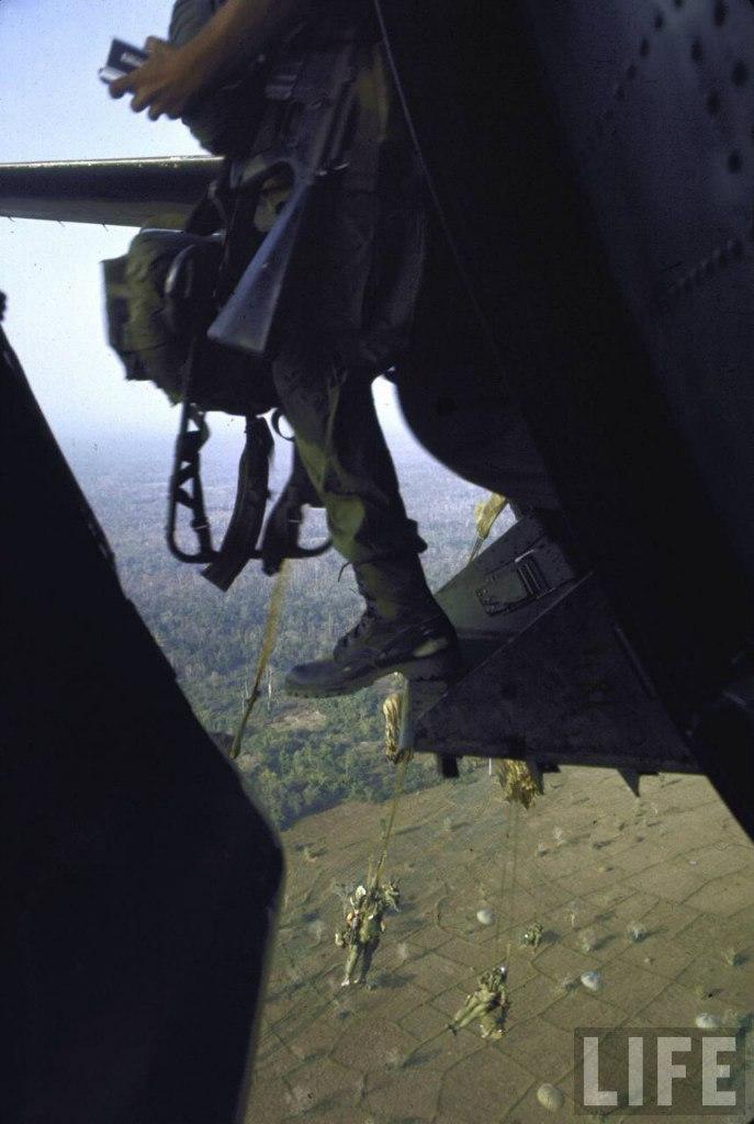 guerre du vietnam - Page 2 XeLwkLJNdp4