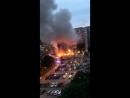 Люди в масках атаковали полицейских и сожгли десятки автомобилей в Швеции