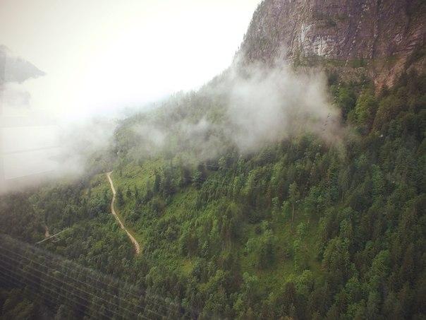 Подъёмник в горы к пещерам