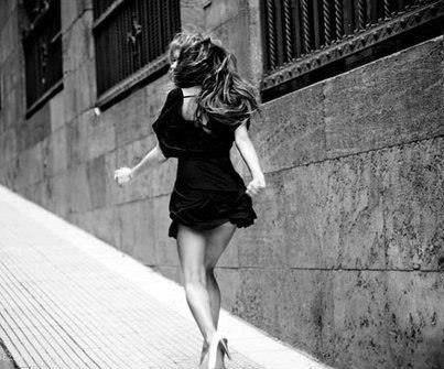 Мужчины уходят быстро, но часто возвращаются. Женщины долго думают, прежде чем уйти, но уходят Навсегда...