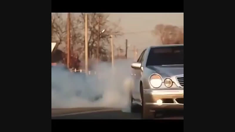 Е 210 Mercedes Benz