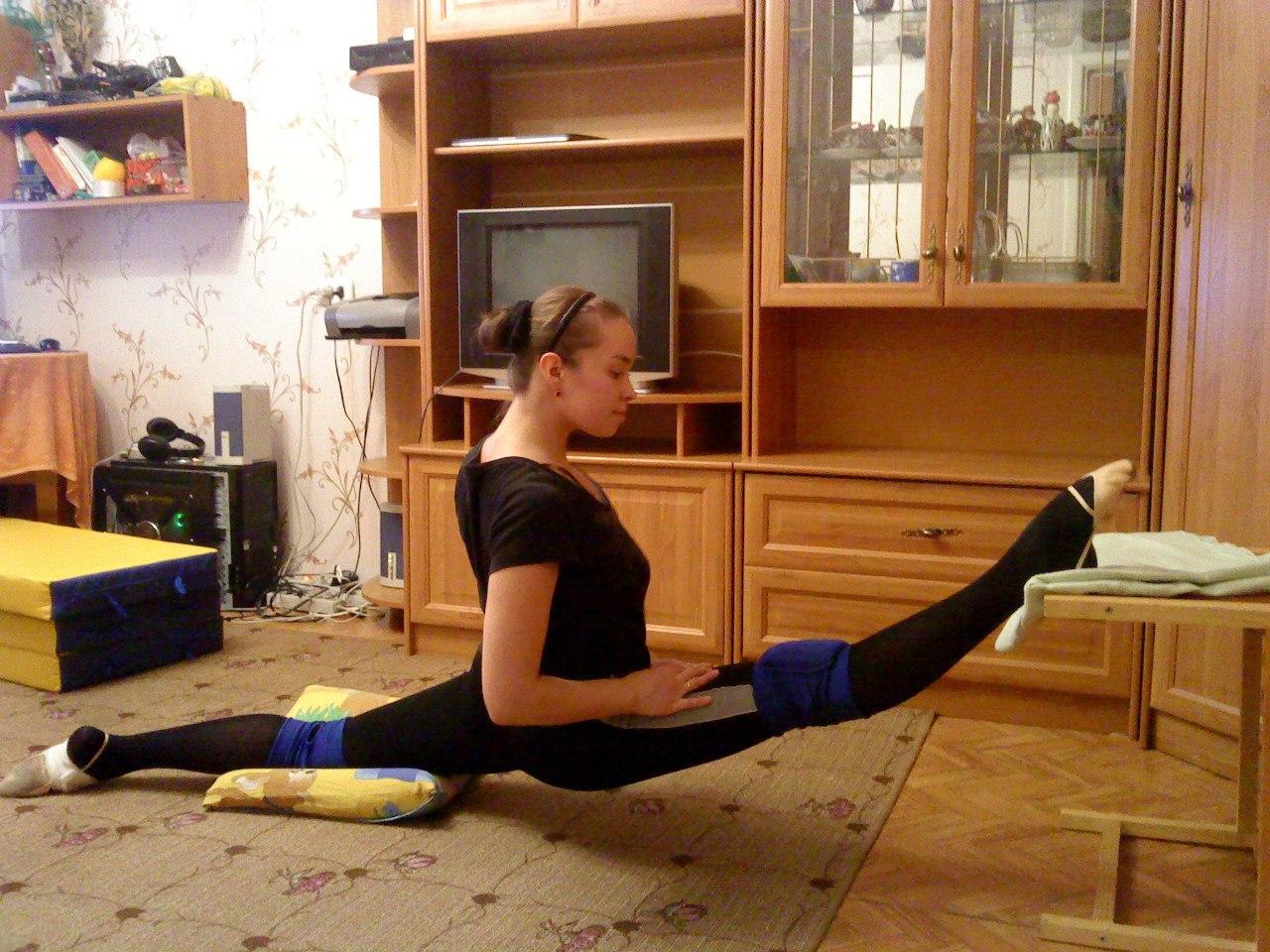 Как сесть на поперечный шпагат в домашних условиях - Fitnessera 18
