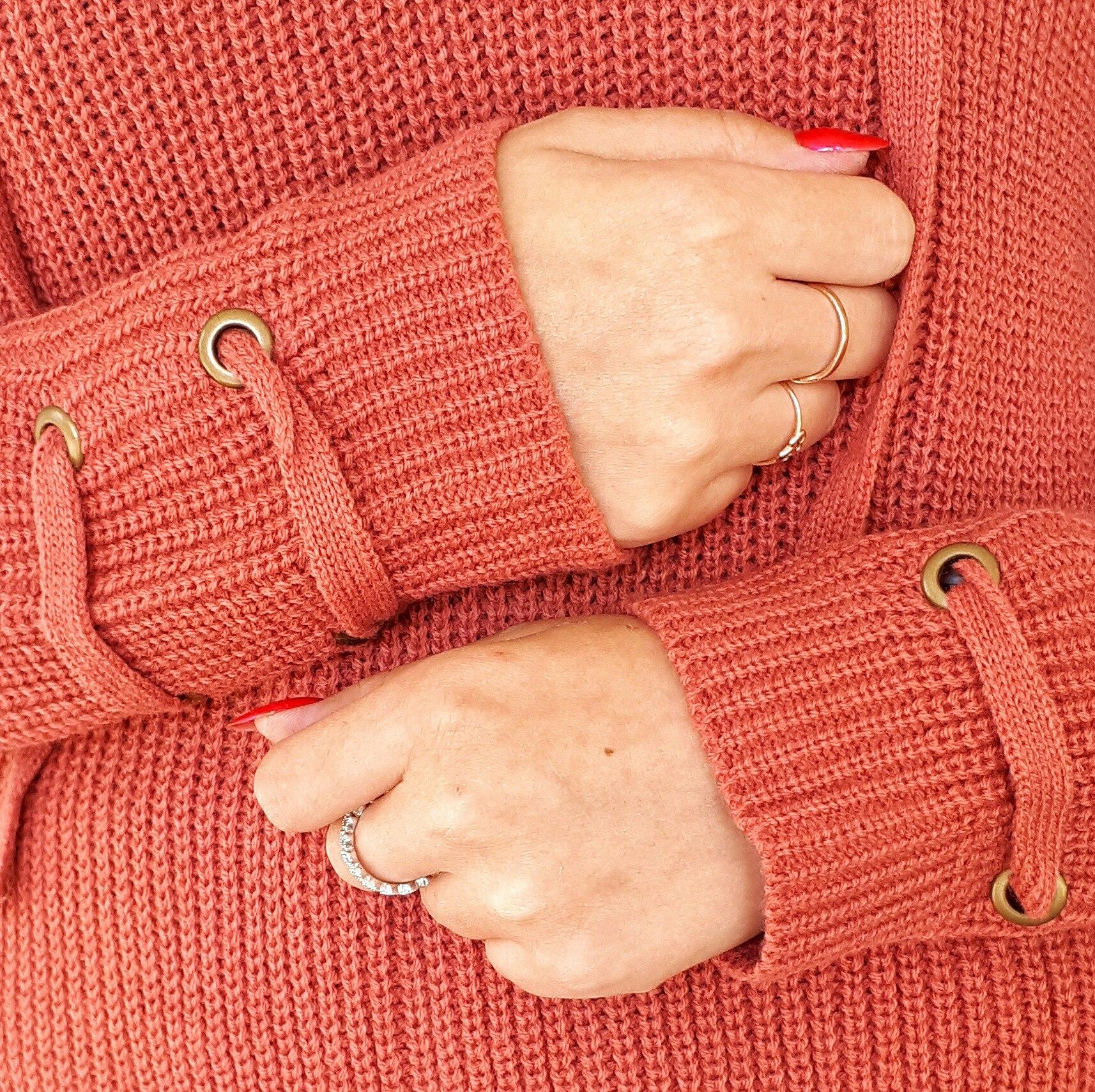 Годный свитер от Garemay за 943 на распродаже 831