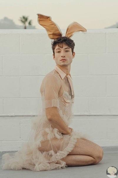 Эзра Миллер снялся в фотосессии для Playboy