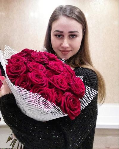 Оля Абраменкова