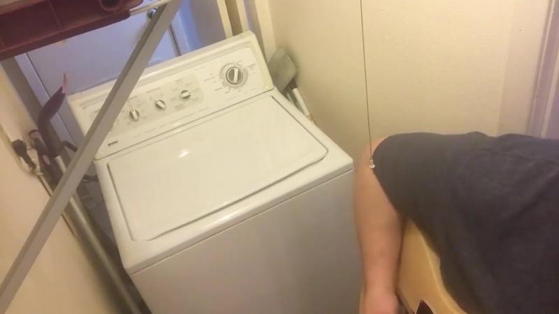 Дуэт человека и стиральной машины (AC_DC - Thunderstruck)