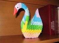 Чтоб осознать, как сделать лебедя из бумаги, нужно сначала сложить необходимое количество модулей определённых цветов.