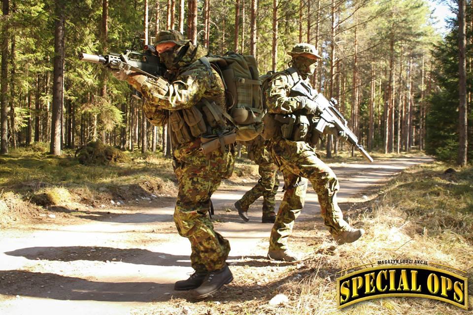 Armée Estonienne/Estonian Army - Page 2 3d6Nh8OhonE