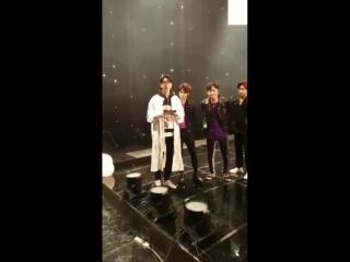 [Видео] 180318 Отрывок с GOT7 c трансляции KBS <Hyena on the Keyboard> в приложении «V Live»