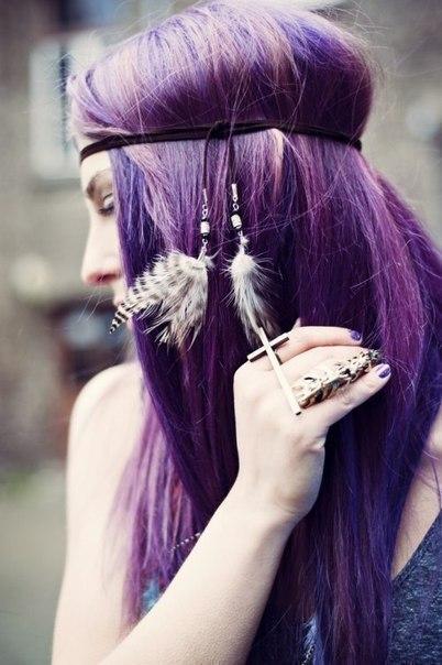 фіолетове волосся