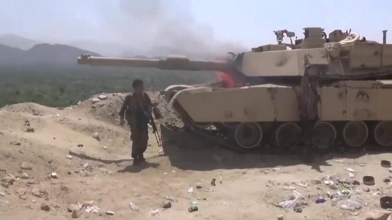 Йеменские хуситы захватили и сожгли очередной саудовский танк M1A2S Abrams
