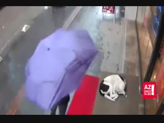 Giving your scarf to someone who needs more