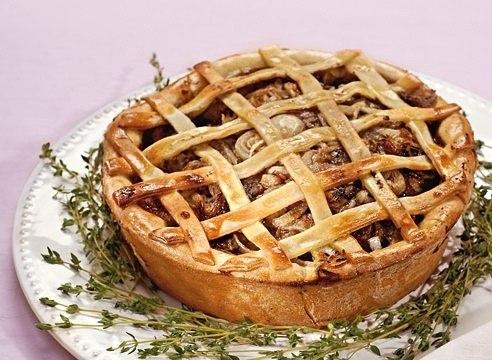 Рецепт открытого мясного пирога с фото