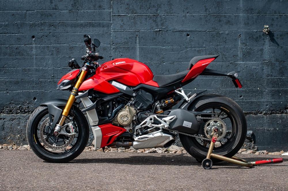 Фотографии  Ducati Streetfighter V4 S