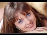 видео красивая девушка красивый голос красиво поёт Виктор Цой