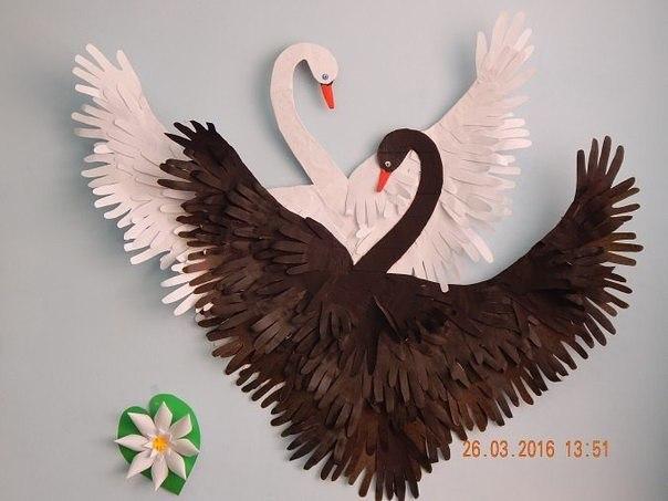 Лебедь и другие идеи из ладошек (занятия с детьми)