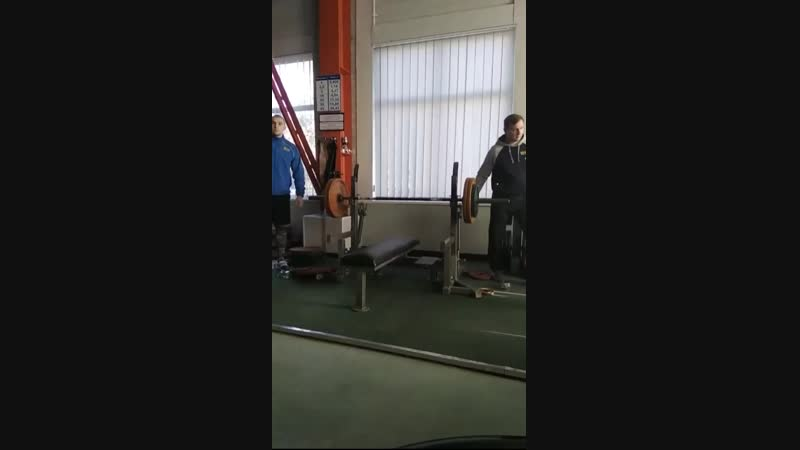 Жим лежа 100 кг на соревнованиях в SportMAX