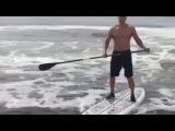 Бриггс опрокинул Кличко в воду
